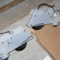 Wheels and motors in motor mounts.