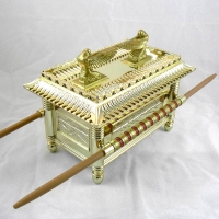 1:18 Scaled Replica Ark of the Covenant from INDIANA JONES AND THE RAIDERS OF THE LOST ARK
