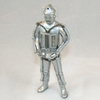 "Cyberman from ""Tomb of the Cybermen"" (1967) (includes two cybermats)"