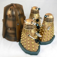 "Cult of Skaro Daleks from ""Doomsday"" (2006) (with Genesis Ark)"